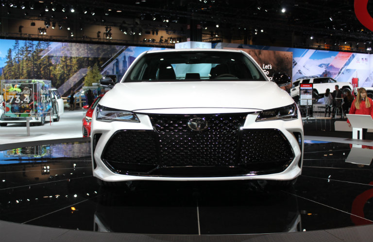 Toyota Avalon On Display At Chicago Auto Show - Toyota dealerships chicago