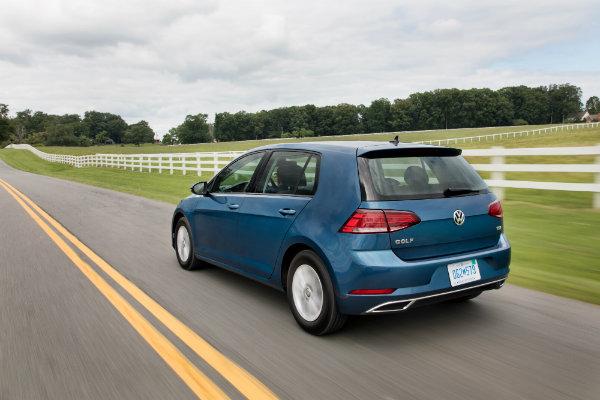 rear-end-2018-VW-Golf_o - New Century Volkswagen