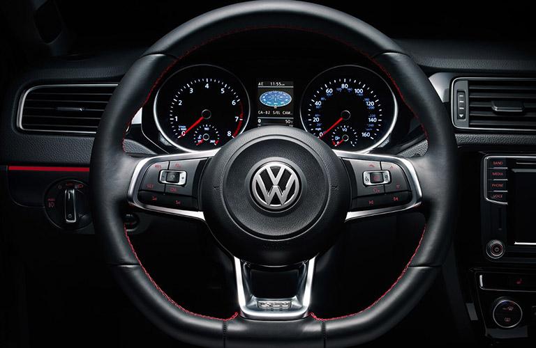 2018-Volkswagen-Jetta_B2_o - Joe Heidt Motors Corp.