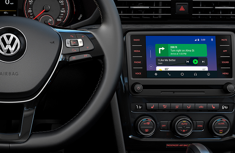 2020 Volkswagen Passat touch screen display