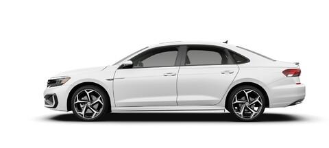 2021 Volkswagen Passat Pure White