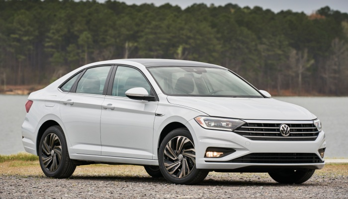 Does The 2019 Jetta Have Lane Keeping Assist