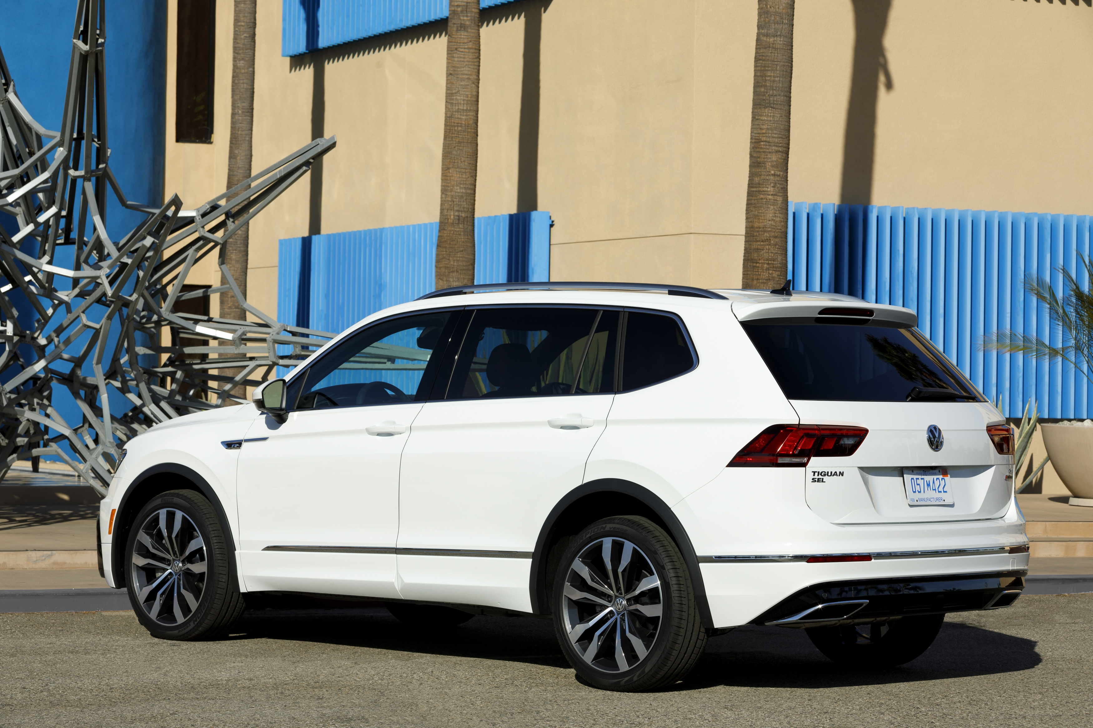 2018 volkswagen tiguan r line package release date and information. Black Bedroom Furniture Sets. Home Design Ideas