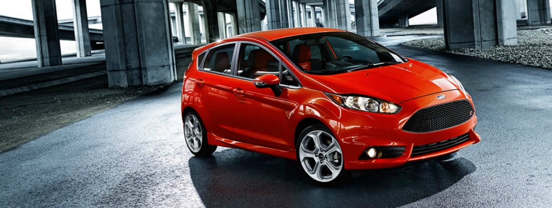 Compare the Ford Fiesta ST vs Ford Fiesta RS