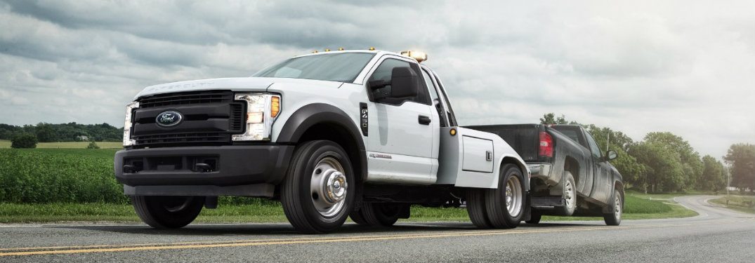 What 2017 Ford Super Duty trims offer easy-to-clean vinyl flooring?