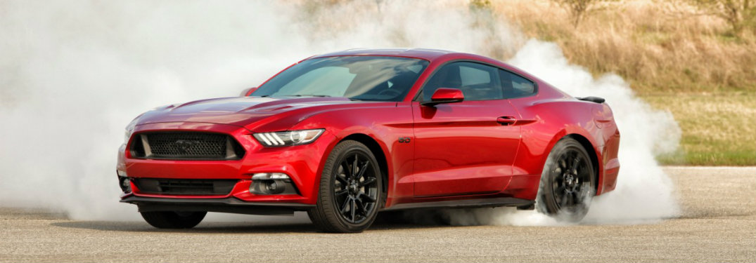 How many trim levels are offered on the 2017 Ford Mustang?