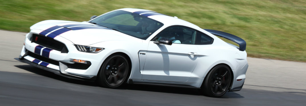 2016 Ford Shelby Mustang GT350R awards