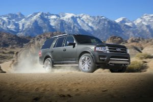 2017 Ford Expedition side front exterior_o
