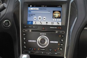 2018 Ford Explorer front interior infotainment system_o