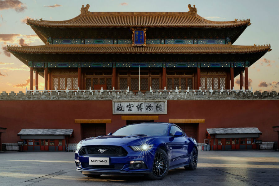 Ford Mustang front side exterior in China_o