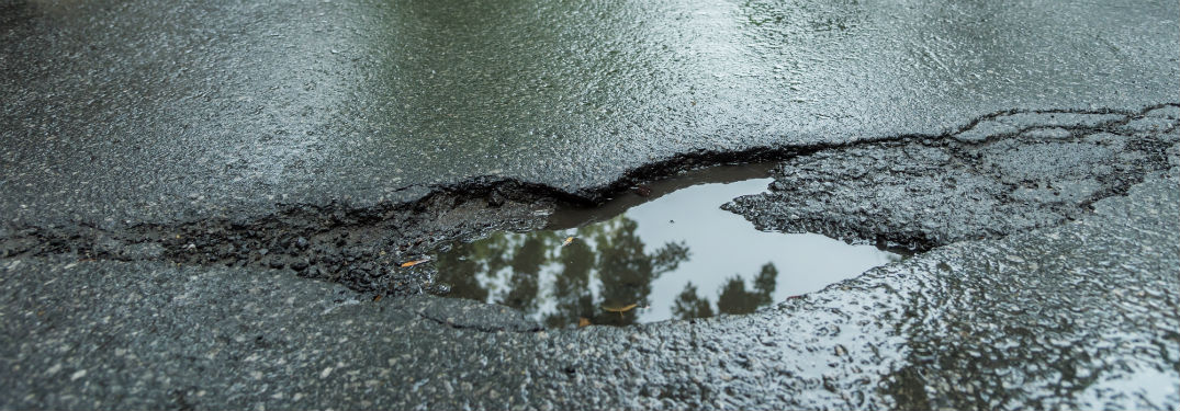 The Best Ways to Avoid Potholes with Your Ford_b