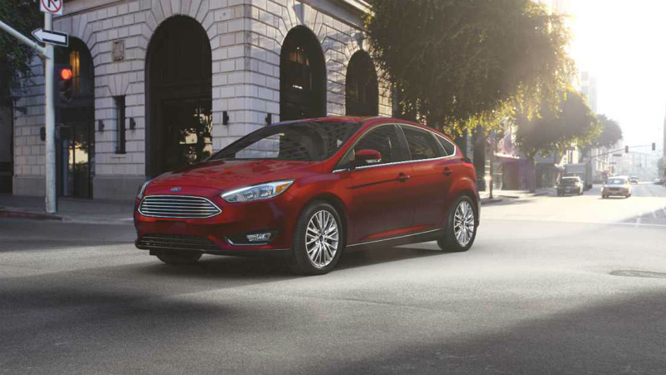 2018 Ford Focus Exterior Color Hot Pepper Red_o
