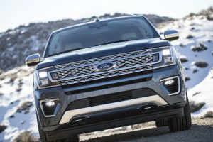 2018 Ford Expedition front exterior