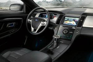 driver dash and infotainment system of the 2018 Ford Taurus