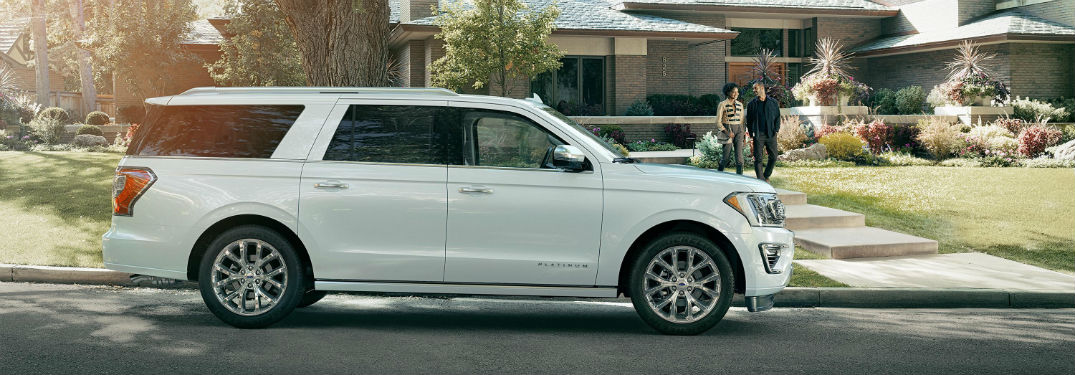 side view of a white 2018 Ford Expedition