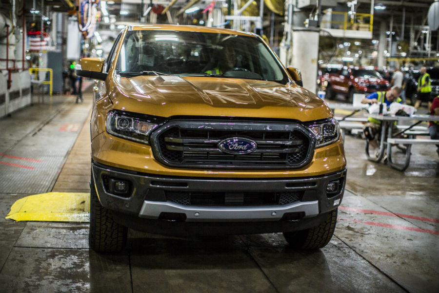 Ford factory workers building a 2019 Ford Ranger