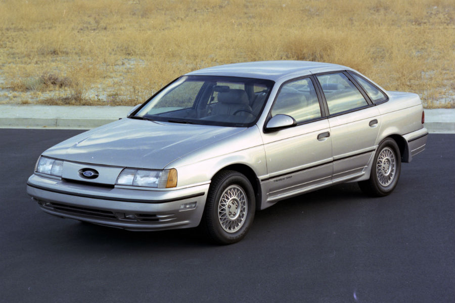 front-view-of-a-silver-1989-Ford-Taurus_o