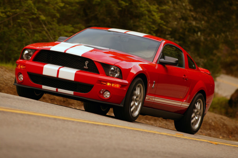 front-view-of-a-red-2007-Ford-Mustang_o