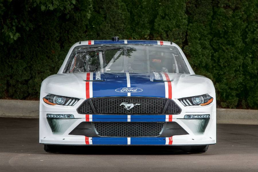 front-view-of-the-2020-Ford-Mustang-NASCAR-model