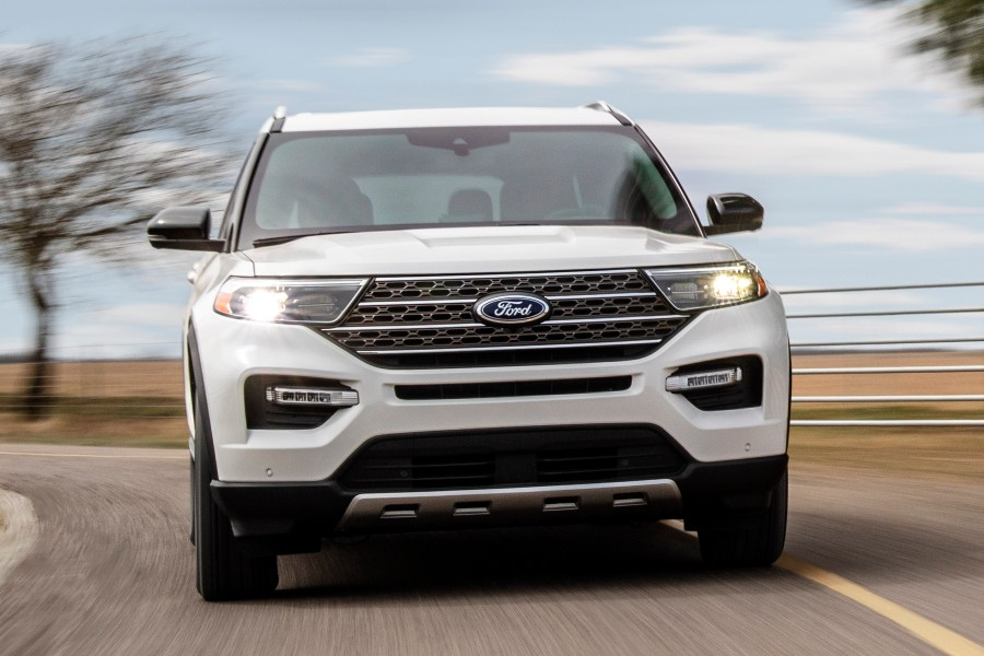 front view of a white 2021 Ford Explorer King Ranch