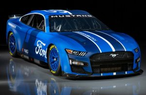 2022 Ford Mustang NASCAR Edition front end
