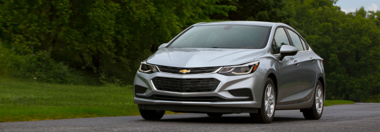 2018 cruze diesel in silver driving on road