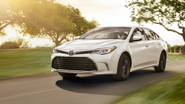 Why Buy the 2018 Toyota Avalon at Toyota of Muncie