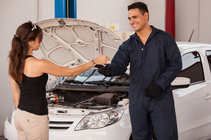 Service Center vs. Collision Center: What's the Difference?