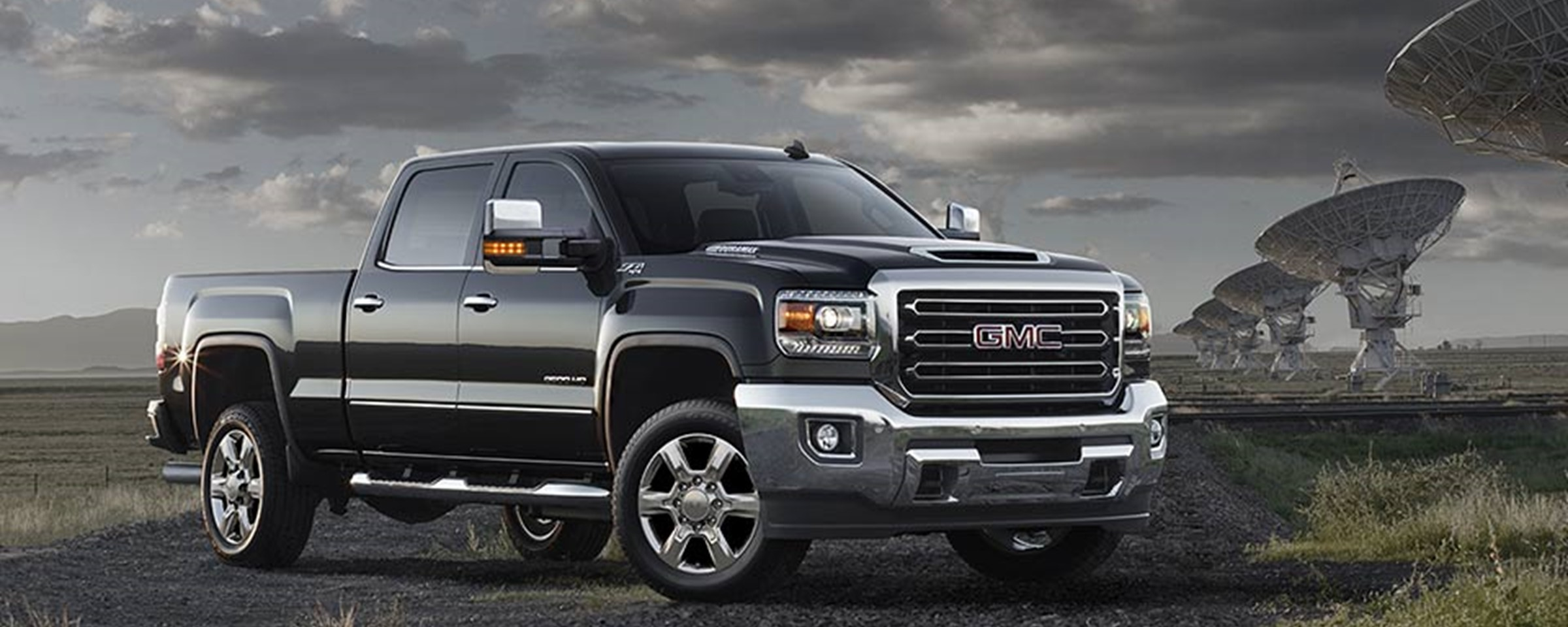 six must have accessories for your gmc sierra 2500 hd baker motor company. Black Bedroom Furniture Sets. Home Design Ideas
