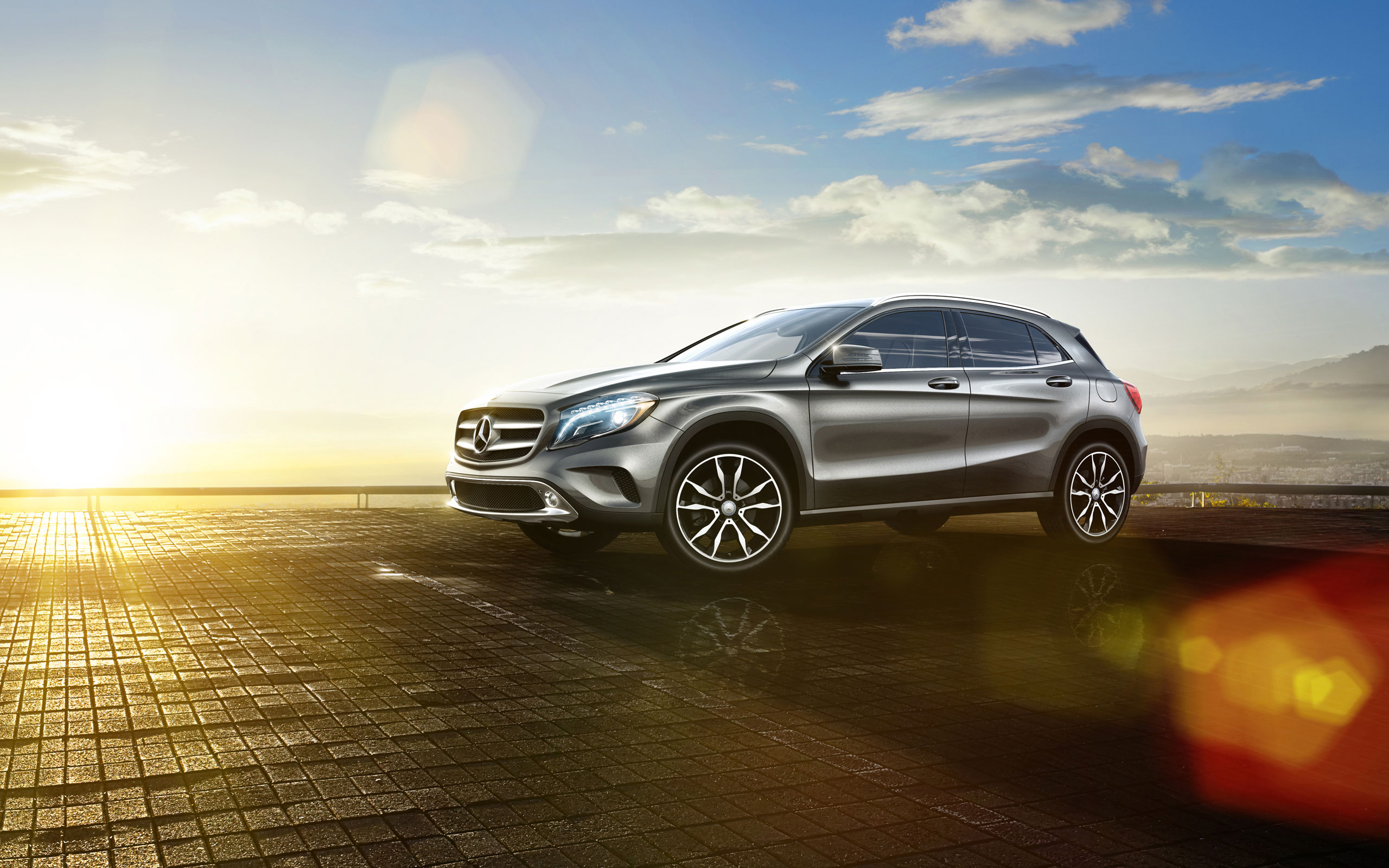 Crossover comparison gla vs hr v mercedes benz kansas city for Mercedes benz cross over