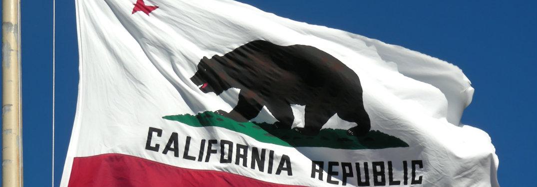 flag of California flying