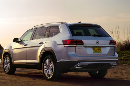 2019 Volkswagen Atlas driving down a rural road