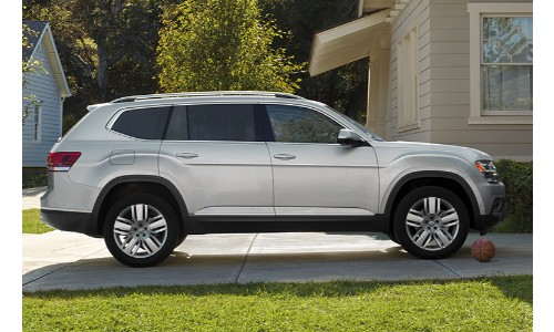 2019 VW Atlas parked at a home