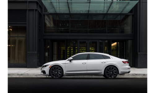 2019 VW Arteon parked outside city building