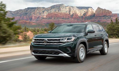 2021 VW Atlas driving in the desert