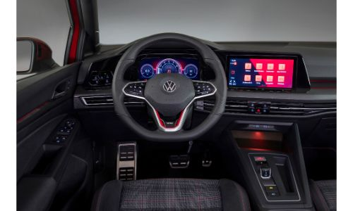 Infotainment display of the VW Golf GTI