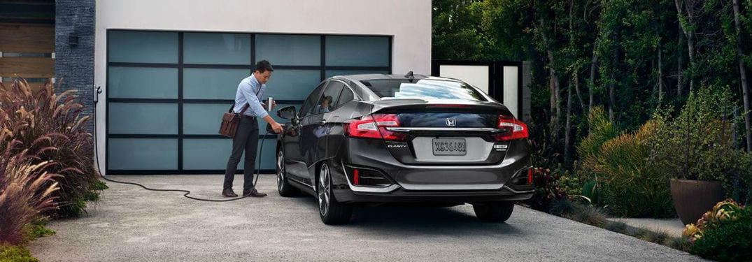 What can I expect from the 2018 Honda Clarity Plug-in Hybrid?