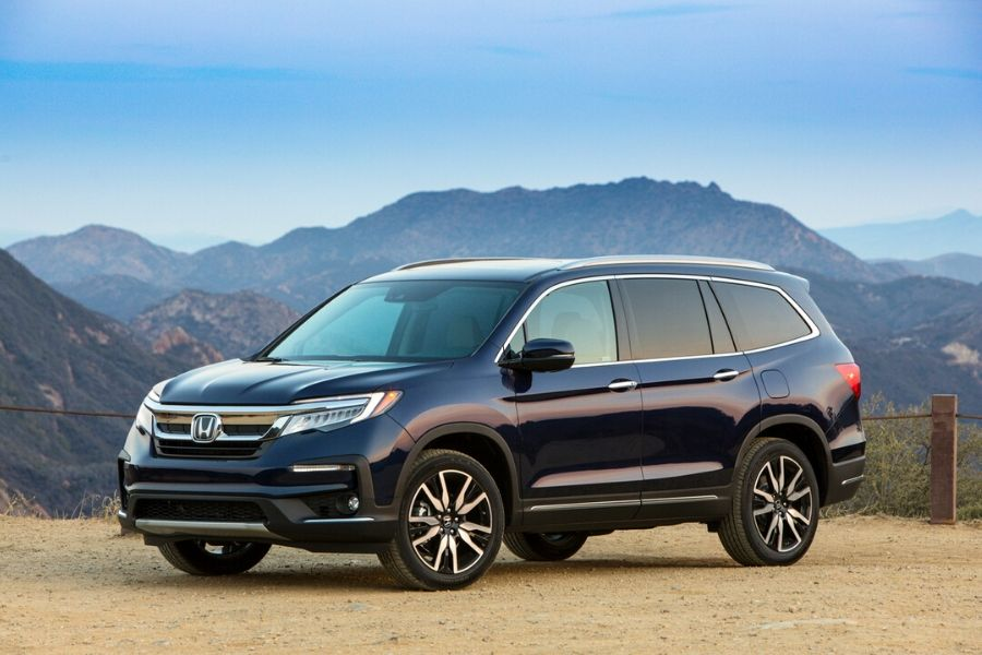 2020 Honda Pilot from exterior front driver side in front of mountain