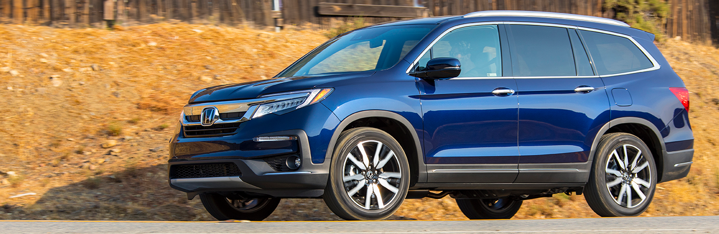 2019 Honda Pilot on road