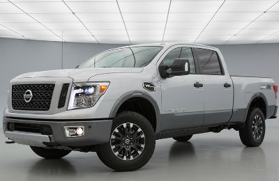 Does the 2019 Nissan Titan have a diesel engine option?