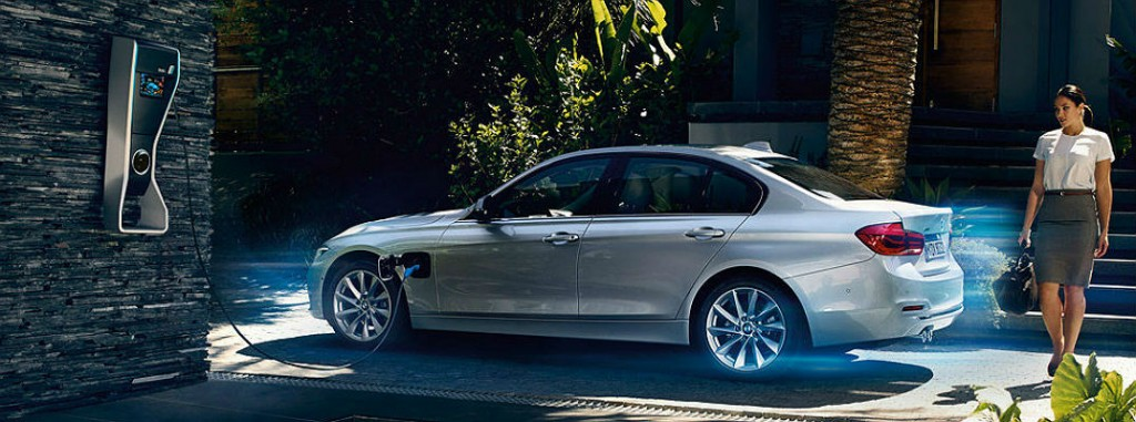 2016 BMW 330e plug-in hybrid electric range and pricing