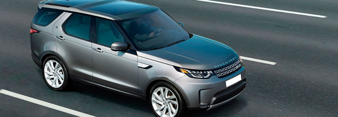2017 Land Rover Discovery in silver