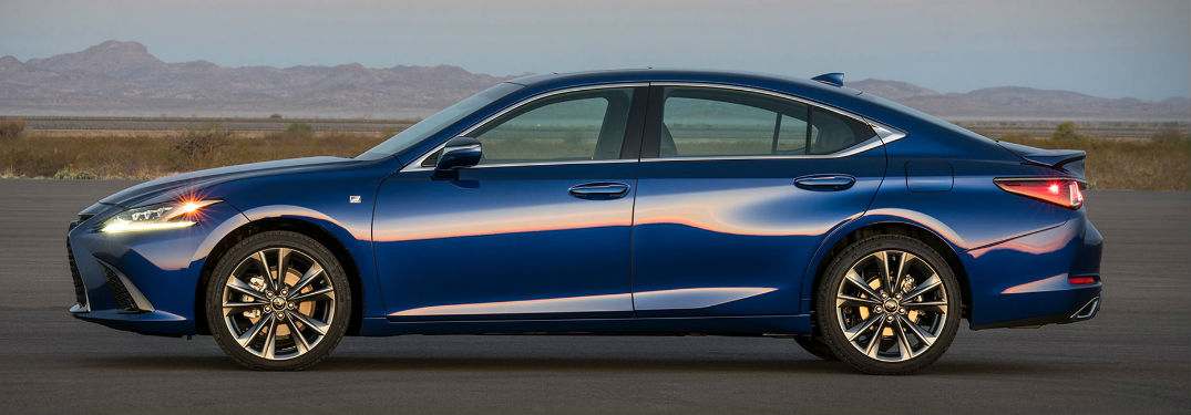2019 Lexus ES in Blue - Side View