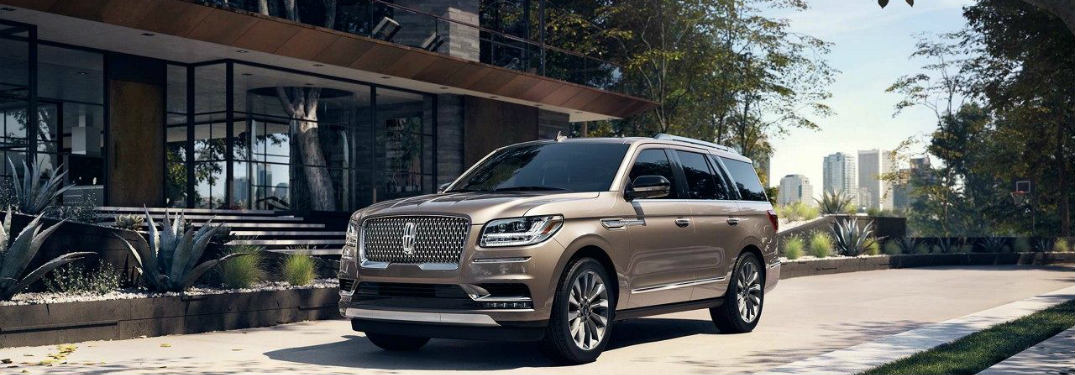 2018 Lincoln Navigator parked in front of a building