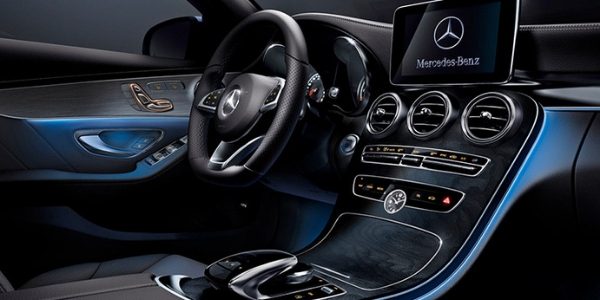 2019 Mercedes-Benz C-Class Front Seat Interior and Dashboard