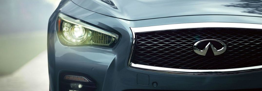 Close Up of Infiniti Headlight and Grille