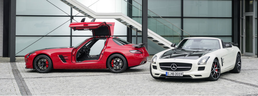 https://blogmedia.dealerfire.com/wp-content/uploads/sites/324/2016/01/Mercedes-AMG-GT-R-vs-Mercedes-AMG-SLS-GT.jpg