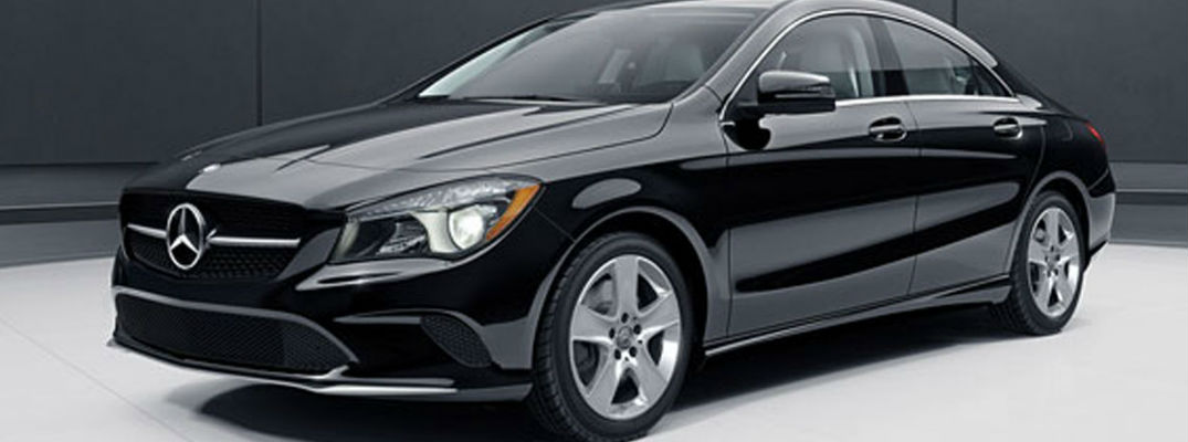 does the c-class sedan have apple carplay?