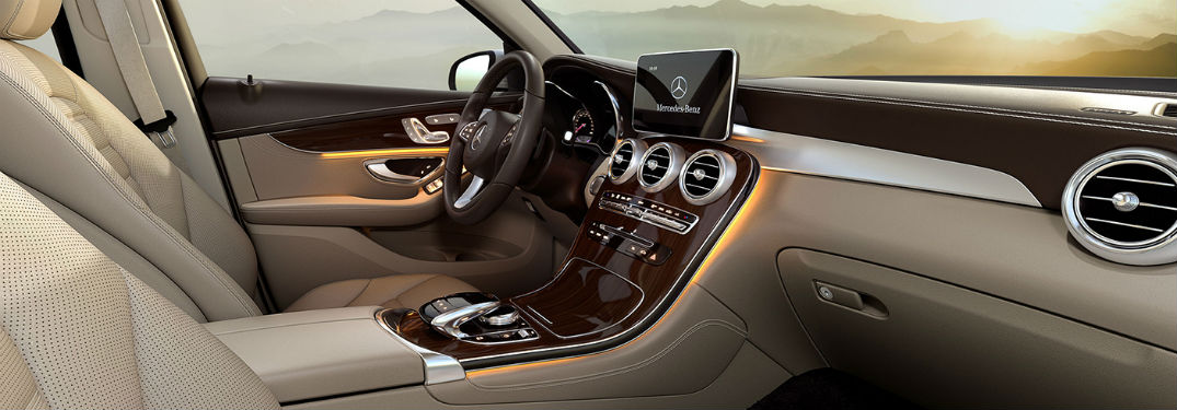 2019 MB GLC SUV interior front cabin steering wheel and dashboard