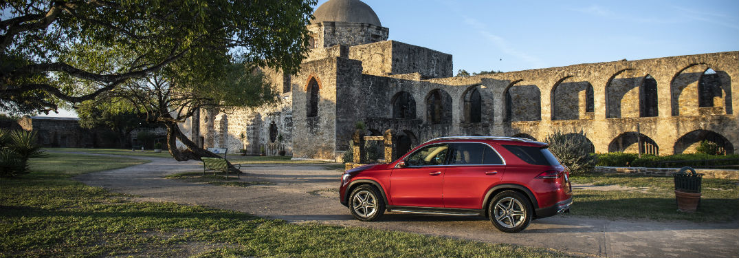 2020 MB GLE exterior drivers side profile in front of stone building with arches